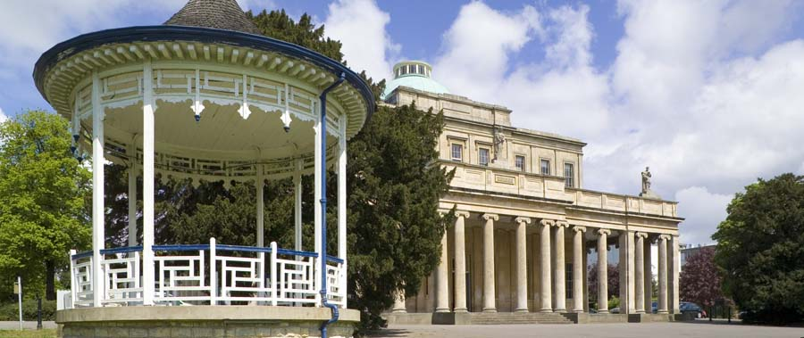 Pittville Pump Rooms and Park make a romantic place to propose
