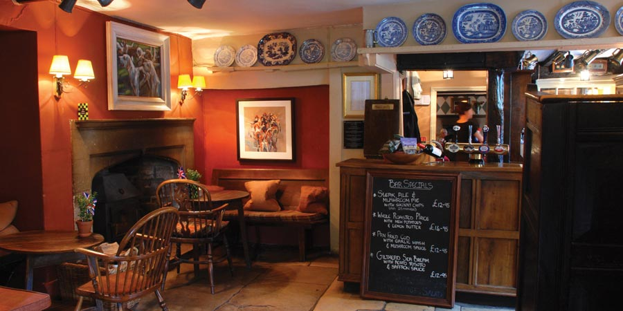 The Lamb Inn, Burford (photo courtesy of Cotswold Inns)