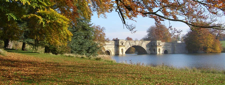 Blenheim Palace in Autumn - photo by Peter Young