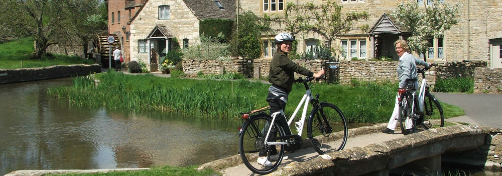 Enjoy a cycling tour this Easter with Cotswold Electric Bikes