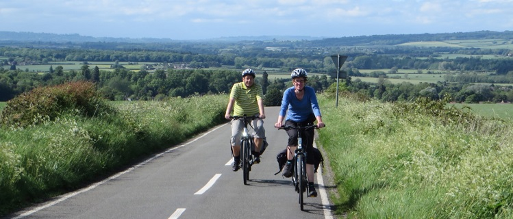 Cotswold Electric Bike Tours - breezing up another hill!