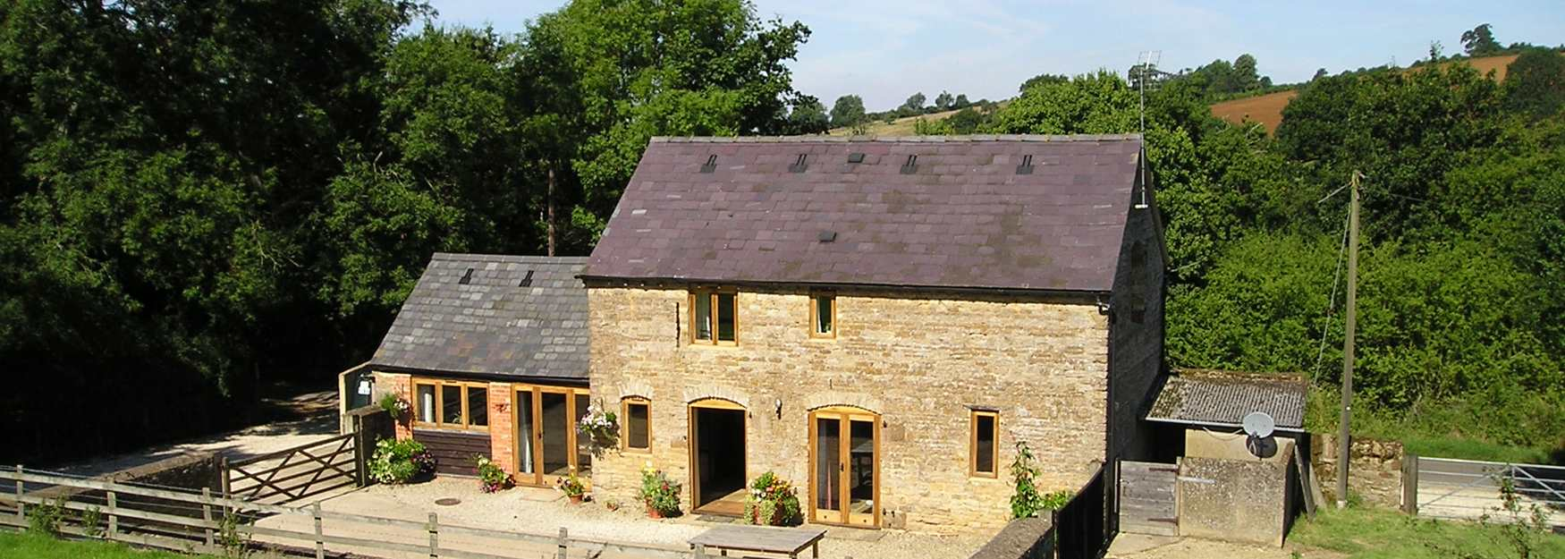 Swell Cotswolds Self Catering Home Interior And Landscaping Mentranervesignezvosmurscom