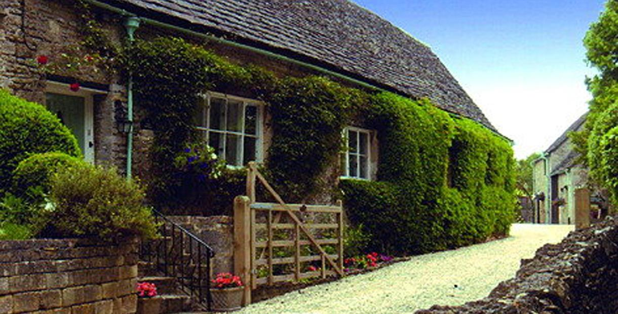Prime Bibury Holiday Cottages Self Catering Download Free Architecture Designs Scobabritishbridgeorg