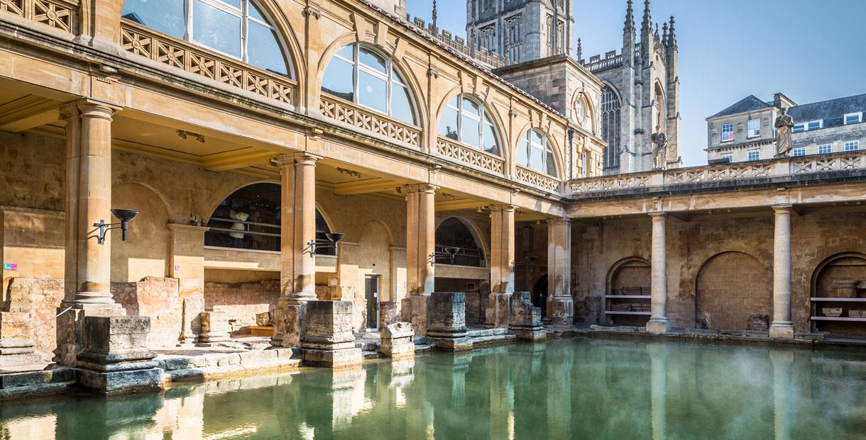 The Roman Baths   The Great Bath. The Roman Baths   Museum in Bath  Bath   Cotswolds