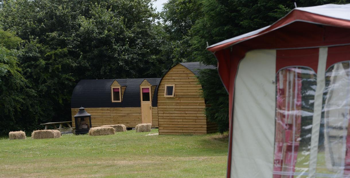 The Greedy Goose Campsite & Cabins - Moreton in Marsh ...