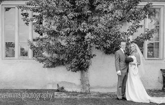 A wedding at Cogges Manor Farm (photo - Steve Timms)