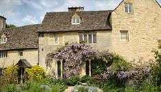 Cogges cottage garden and manor house