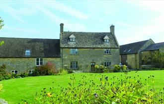 Cotswold Charm Holiday Cottage