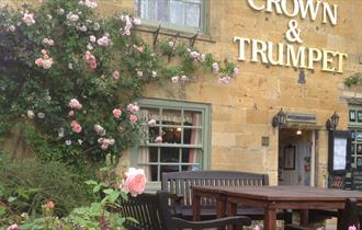 The Crown and Trumpet Inn, Broadway
