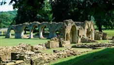 Looking across to the cloister, Hailes Abbey
